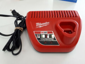 Milwaukee Tool 12V Lithium-Ion Battery Charger