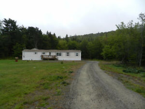 3 BR Home with Large Deck and Garage in Country Harbour
