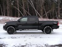 Looking for a tacoma trd long box