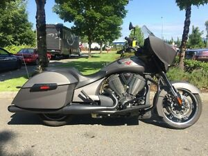 2015 Victory Motorcycles Cross Country Suede Titanium Metallic