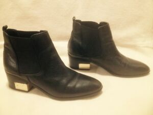 LadiesMarc Fisher Black Pebbled Leather Short Chelsea Boots 9.5
