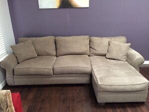 Beautiful couch. In great shape! London Ontario image 1