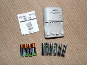 SANYO NC-MQH01U AA AAA Battery Charger with Batteries