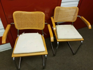 2 wicker chairs with cushion