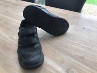 Clarks Black Size 2.5 School shoes £5.00