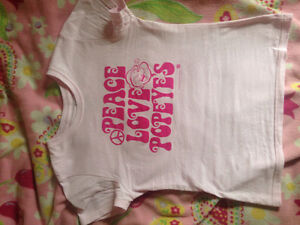 Size medium (fits like small) Popeyes pink ladies shirt