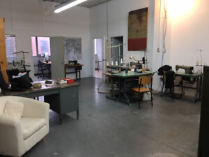 Bright Work Space - Open And Reconfigurable in Mile-End