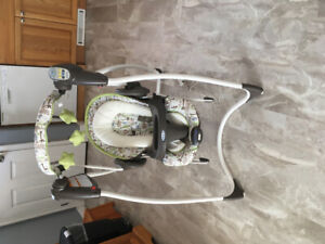 Graco 2 in 1 infant electric swing
