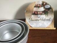 Wilton Decorator Preferred cake pans.