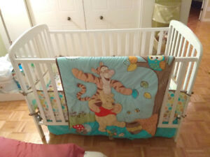 Baby crib + Winnie complete set / Bassinette + Ensemble lit comp
