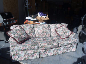 Couch -3 seater, Pet free, smoke free home