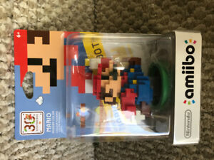 Nintendo amiibo NEW pixel Mario for Wii U   new 2ds or 3ds
