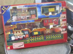 WESTERN EXPRESS GOLDLOK TOYS BATTERY OP TRAIN SET $10 MIB