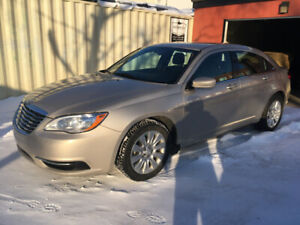 2014 Chrysler 200LX, ONLY 58,000 kms
