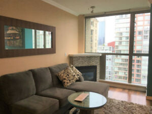 1 bed + den Pet Friendly Yaletown Condo