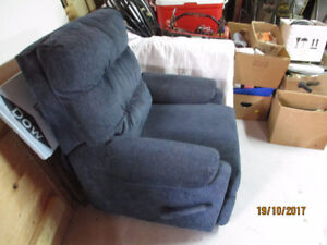 Beau petit fauteuil inclinable
