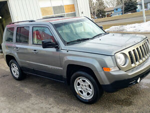 2013 Jeep Patriot SUV, Crossover