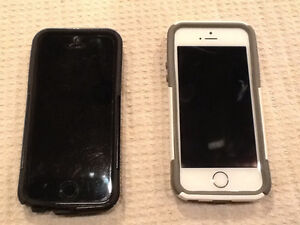 Two iPhone 5s 16 GB Unlocked $200 each