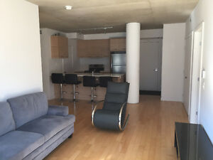 2 bedroom apartment downtown, with 2 garage parking spots $2100