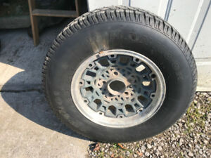 "Winter Tires w Rims 215 75 R15 rims 5 bolt 127mm (5"")"