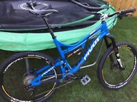 Pivot Mach 6 carbon mountain bike, Santa Cruz , specialised, Enduro px