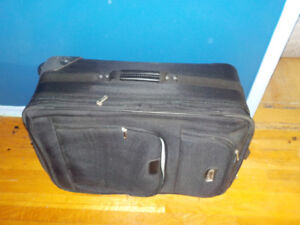 Delsey Luggage 26 inch almost BRAND NEW