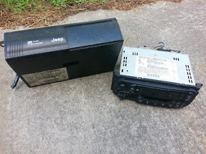JEEP RADIO AND 10 DISC CHANGER