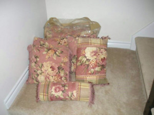 Shabby chic queen size comforter