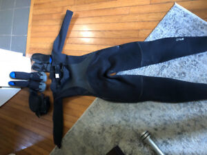 Women's O'Neil wet suit size 10. Fits like an 8 barely used