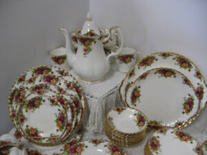 Old Country Roses China - FROM PAST TIMES Antiques - 1178 Albert