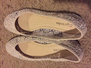 New Off White Lace Pattern Ballet Flats