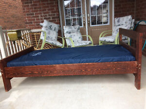 Single Low Bed very low price!