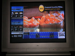 """TV à écran cathodique 32"""" JVC"""