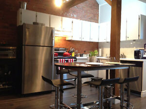 LOFT Apartment in Leslieville/Riverdale 2BR - Avail July 2017