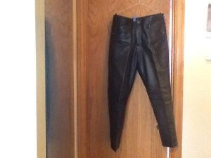 Pantalon noir pour dame