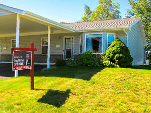 ** PRICE REDCUTION ** Bungalow style condo in Waterside Terrace!
