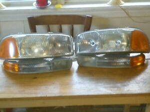 2000/2006  GMC 1500 headlights/running lights