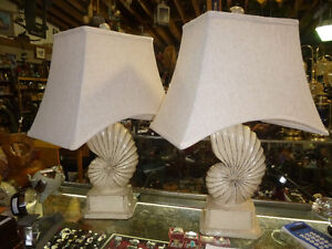 Table lamps, floor lamps, hanging light fixtures, see photos