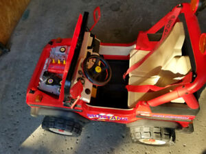 Peg Perego Montana Jeep for kids 12V please read the ad 80