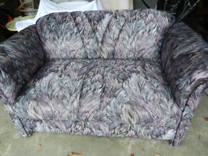 Loveseat,    Reduced  !!! West Island Greater Montréal image 1