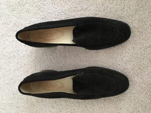 Black tods loafers size 7 $300 Chanel prada lululemon