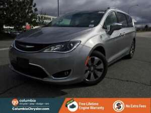 2017 Chrysler Pacifica Hybrid Platinum