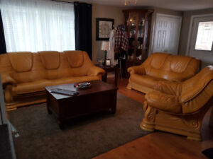 3 PICS EXTREMELY LUXURY SOLID OAK ALL LEATHER SOFA SET, CAN DELI