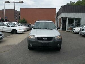 2006 Ford Escape XLT SUV AWD 143000 km  safety and E test
