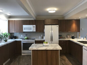 Newly renovated 3 Level Sunny Townhouse | 1 March 2018