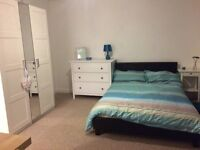 Double ensuite room available now in Bristol - bills included and suitable for couples