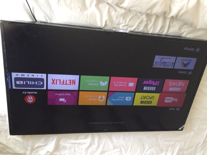 """Philips 40"""" Android smart 4K LED tv warranty free deliveryin Droylsden, ManchesterGumtree - Philips 40""""4K smart Android LED TvModel Philips 40put6400/12Couple of very minor scratches to minor to pick up on camera Comes with remote and power supply No Stand! (Wall mountable)Wi fi enabledHdmiUsbScart£239.99 bargainFree Delivery within..."""