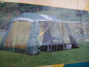 LARGE SCREEN ROOM TENT WITH CANOPY