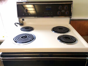 Great Condition Stove - Fully Functional