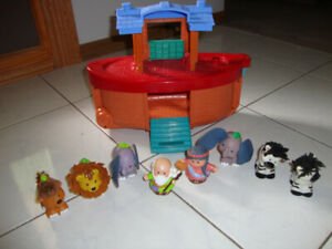 LITTLE PEOPLE NOAH'S ARK - FISHER PRICE